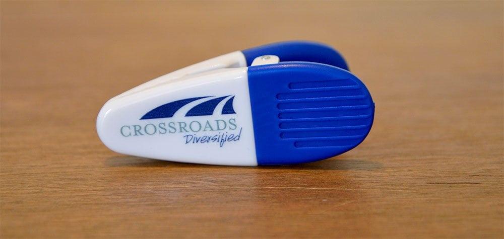 Crossroads Diversified refrigerator magnet clip